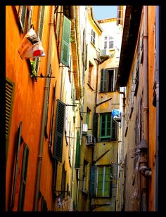 Le Vieux Nice - Nice, France i would do anything to live here