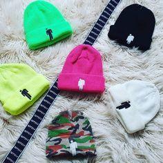 Cute Beanies, Cute Hats, Beanie Outfit, Beanie Hats, Cute Lazy Outfits, Cool Outfits, Billie Eilish Merch, Accesorios Casual, Vetement Fashion