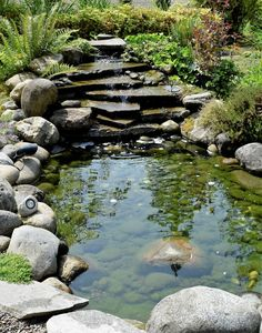 17 Beautiful Backyard Ponds and Water Garden Landscaping Ideas Fish Ponds Backyard, Outdoor Ponds, Backyard Water Feature, Outdoor Fountains, Backyard Waterfalls, Garden Ponds, Ponds With Waterfalls, Koi Ponds, Outdoor Stone