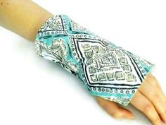 Microwave Wrist Wrap or Cold Wrap for Wrists Arm, Carpal Tunnel, Tendonitis Help with Hot Cold Wrist Packs - Microwave Heat Pads, Hot Cold Packs, Microwavable Heating Bags from Ferapeutic providing Hot Cold Comfort Diy Heating Pad, Rice Heating Pads, Microwave Heat Pack, Microwave Heating, Sewing Hacks, Sewing Tutorials, Sewing Crafts, Sewing Tips, Sewing Ideas