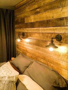 DIY Upcycled Pallet Bedroom Ideas is part of Unique bedroom Ideas - For more help we have with us these DIY wood pallet bedroom ideas leading you for a lot of functional and gorgeous ways to incorporate wood in your bedroom Small Room Bedroom, Small Rooms, Bedroom Ideas, Bedroom Wall Designs, Kids Bedroom Sets, Modern Bedroom, Diy Bedroom Decor, Unique Home Decor, Diy Home Decor