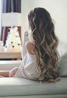 Mmm that hair <3