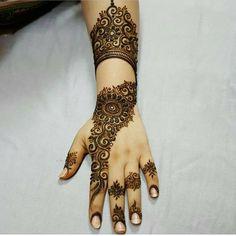 Booking for henna services,, Call/ whatsapp:0528110862,, Al Ain, UAE