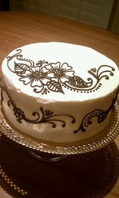 Henna cake - simple and really pretty.