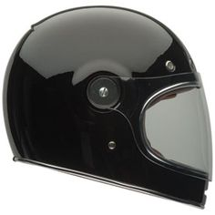 Inspired by the very first Bell Star helmet, the Bullitt is a modern take on the original. Featuring an exceptional fit and ultra-high quality details, the Bullitt is the perfect helmet for riders looking for a vintage look with full-face protection.  *3 EPS system. *3d-formed quick snap cheekpads. *5 metal mesh intake vents. *Five year warranty. *Leather trim. *Magnefusion shield closure system. *Multi density EPS liner *Removable and washable comfort liner. *Ultra low profile. *DOT…