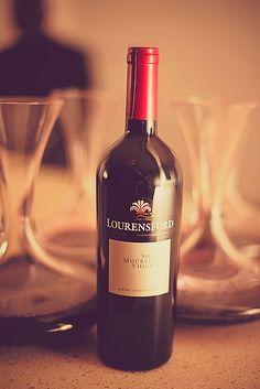Red Wine, Alcoholic Drinks, Bottle, Glass, Liquor Drinks, Alcoholic Beverages, Drinkware, Flask, Liquor