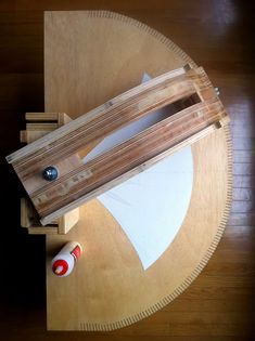 Sunshipaudio: Prototype horns Part 1 Templates and router guides. Horn Speakers, Diy Speakers, Built In Speakers, Prototype 2, Wood Sink, Speaker Design, Vintage Diy, Woodworking Jigs, Loudspeaker