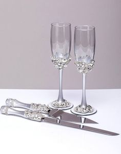 Personalized Wedding Cake Server Set Silver Wedding Cake Knife Cutting Set silver Wedding Cake Server cake knife set of 2 Wedding gift cake server set color: silver paint and silver rhinestines and crystals If you like the design, but you need a different color please let me know