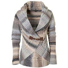 Dit gebreidedames vest heeft eenopstaande omslagkraag en lange mouwen. Het vest heeft een sluiting in de vorm van een riempje met gesp.