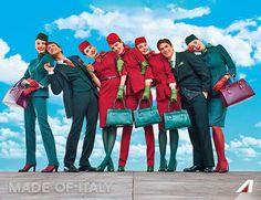 Le nuove divise Alitalia firmate Ettore Bilotta sono ispirate al glamour anni 50 e 60 , declinate nei toni del verde e del rosso e realizzate con tessuti toscani e seta lavorata a Como.