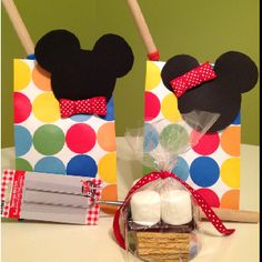 Minnie And Mickey Mouse S'mores Party Favors Minnie Birthday, Birthday Parties, Happy Birthday, Minnie Mouse Theme, Mickey Mouse, Party Stuff, Fun Stuff, Camping Stuff, Disney Stuff
