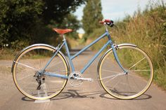 A versatile and stylish ladies bike. It's light, nimble and comfortable to ride, with retro vintage style and built in the UK! Finished with a Brooks saddle.