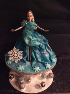 elsa - Cake by Roisin