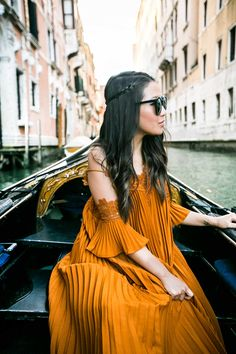 Venice :: Pleated maxi dress & Knee-high sandals