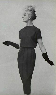 1957 Pierre Cardin