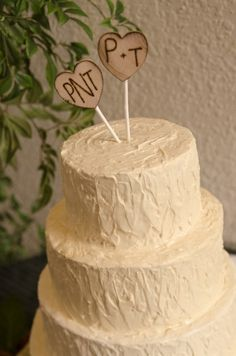 A+M on one and the date on the other? - With the twig heart cake topper too! Rustic Cake Topper