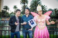 @mrdrewscott  has never looked better! Lol. If you loved the #BroVsBro season premiere, wait until you see this week's challenge!! Who thinks #TeamJonathan wins again??