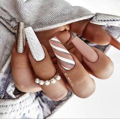 Nagellack Design, Nagellack Trends, Cute Acrylic Nail Designs, Best Acrylic Nails, Stylish Nails, Trendy Nails, Xmas Nails, Simple Christmas Nails, Christmas Acrylic Nails