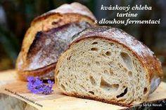 Kváskový chleba tartine s dlouhou fermentací s minimem kvásku i námahy, který zvládne i začátečník! A s kouskem mateřského těsta to bude špica! Russian Recipes, Sourdough Bread, How To Make Bread, Bread Baking, Ham, Food And Drink, Menu, Breads, Food Ideas