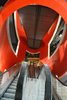 Galeria MM, Poznan. Two weeks before opening. Escalators tube