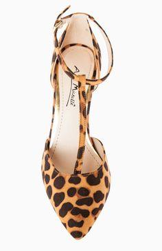 DailyLook: Pointed Toe T-Strap Heels on Wanelo