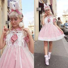 "401 mentions J'aime, 20 commentaires - Mila de Blois ♡ Deer Alice (@miladeblois) sur Instagram: ""First outfit for Angelic Pretty Paris 1st Anniversary Fair ✨ I went for a lovely white rabbit mood…"""