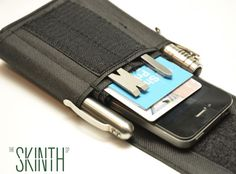 The Skinth smartphone case is compact sheath designed to hold your smartphone and a couple of other EDC items.