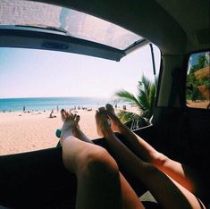 summer / beach / friend / car / chill