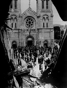 French civilians gathering in front of the ruins of Notre Dame des Voeux, Cherbourg, France, 22 August 1944 French History, Ww2 History, Liberation Of Paris, Monument Men, Cherbourg, Presidential Libraries, Free In French, D Day, Normandy