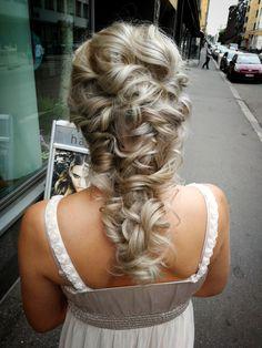 #greekbraid #greekbraids #mermaidbraid #bohohair #bohohairstyle #bohobraid #looseupdo #updo #kreikkalainenletti #kampaus #rentokampaus #boheemikampaus #merenneitoletti Mermaid Braid, Loose Updo, Kevin Murphy, Boho Hairstyles, Updos, Backless, Greek, Sari, Dresses