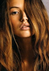 Beach Hair :: Natural Waves :: Brunette + Blonde :: Summer Highlights :: Messy Manes :: Long Locks :: Discover more DIY Easy Hairstyle Photography + Style Inspiration Golden Brown Hair Color, Brown Hair Colors, Hair Colour, Golden Hair, Beautiful Brown Hair, Beach Hair, Hair Dos, Pretty Hairstyles, Easy Hairstyle