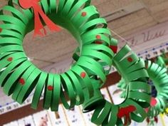Construction Paper Wreath- Christmas art project, Christmas craft, math lesson on measurement | TeacherTime123