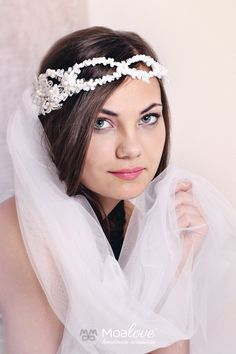 Veronica | veil and halo adorned lace - MoaLove Accessories