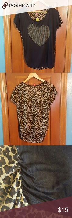 Gold Heart T shirt 💛 Cheetah print on backside.  New with tag - never worn. Tops Tees - Short Sleeve