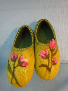 Felted home slippers/Wildflowers