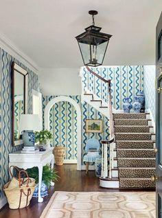 Sarah Bartholomew-designed foyer with Pierre Frey blue and white wallpaper, blue… Foyer Decorating, Interior, Home Decor Trends, White Wallpaper, Trending Decor, Home Decor, Glamorous Interiors, House Interior, Blue And White Wallpaper
