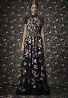 Valentino Pre-Fall 2014 - Review - Fashion Week - Runway, Fashion Shows and Collections - Vogue