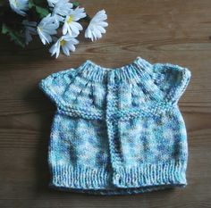Marianna's Lazy Daisy Days: All-in-one Knitted Baby Tops Free Baby Sweater Knitting Patterns, Baby Booties Knitting Pattern, Knitted Doll Patterns, Knit Baby Sweaters, Knitted Baby, Baby Knits, Free Knitting, Crochet Patterns, Baby Girl Patterns