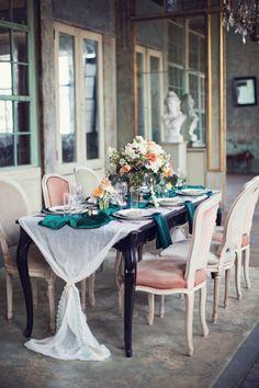 Emerald details: http://www.stylemepretty.com/little-black-book-blog/2014/05/12/emerald-mint-peach-wedding-inspiration/ | Photography: Peaches & Mint - http://peachesandmint.com/