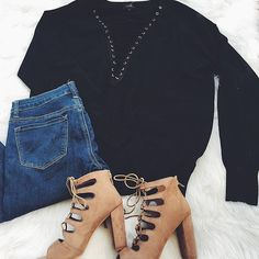 30% OFF $30 SALE In The Deep Lace-Up Sweater-$28 All American Skinnies-$26.60 Above It All Heel-$21.70  #shorelinesugars #freeshipping #smallbusinesssaturday #sweaterweather #cozy #thatsdarling #flatlay #laydown