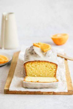 Orange Cake is such a wonderful, easy and quick dessert to make. Moist orange cake with an amazing orange glaze. Desserts To Make, Great Desserts, Quick Dessert, Simple Dessert, Food Cakes, Cake Recipes, Dessert Recipes, Un Cake, Brunch