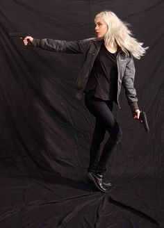 Dauntless - Action Heroine by Mirish