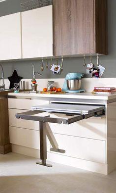 Table rétractable stratifié Aluminium Mat x cm, mm image zoomée Kitchen Cabinet Design, Interior Design Kitchen, Kitchen Storage, Kitchen Cabinets, Table Retractable, Kitchen Furniture, Kitchen Decor, Cocina Office, Transforming Furniture