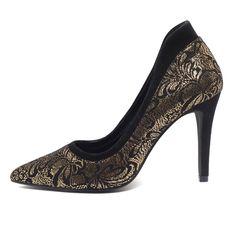Escarpins noir et doré La Halle Baskets, Sandro, Shoe Collection, Peeps, Peep Toe, Halle, Shoes, Fashion, Gold Heels