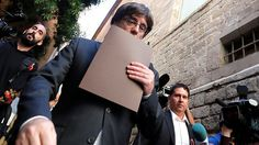 Former Catalan leader Puigdemont & 4 ex-ministers granted conditional release in Belgium https://tmbw.news/former-catalan-leader-puigdemont-4-ex-ministers-granted-conditional-release-in-belgium  Belgian authorities have granted conditional release to ousted Catalan President Carles Puigdemont and four of his ministers, after they turned themselves in to police. Earlier, Spain issued an arrest warrant for the ex-officials.Sacked Catalan leader Carles Puigdemont and four of his ministers were…