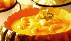 Essa receita de camarão sertanejo é feita com camarões, creme de jerimum (abóbora) e um toque de leite de coco. Uma receita que o chef Wanderson Medeiros preparou para o Picuí em Maceió e Aracajú mesclando ingredientes regionais em preparações… Leia mais →