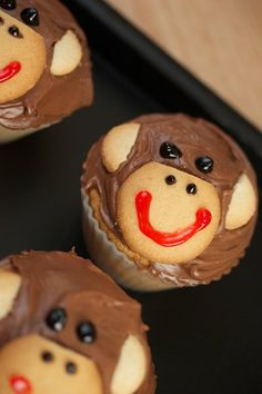 monkey cupcakes using regular and mini Nilla Wafers and red and black gel icing