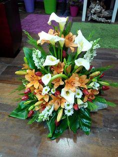 Centro de flor combinada elaborado por Floristeria Alameda en Cartagena