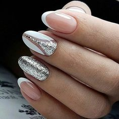 """1,559 mentions J'aime, 35 commentaires - Fashion World Life (@fashion_world.life) sur Instagram : """"Perfect #frenchmanicure Agree? ○ #nailpolish #nail #nails #nailsart #nails #bracelets…"""""""