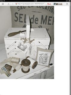 Vintage sewing box decoupaged with napkinsi have this box mooi solutioingenieria Gallery